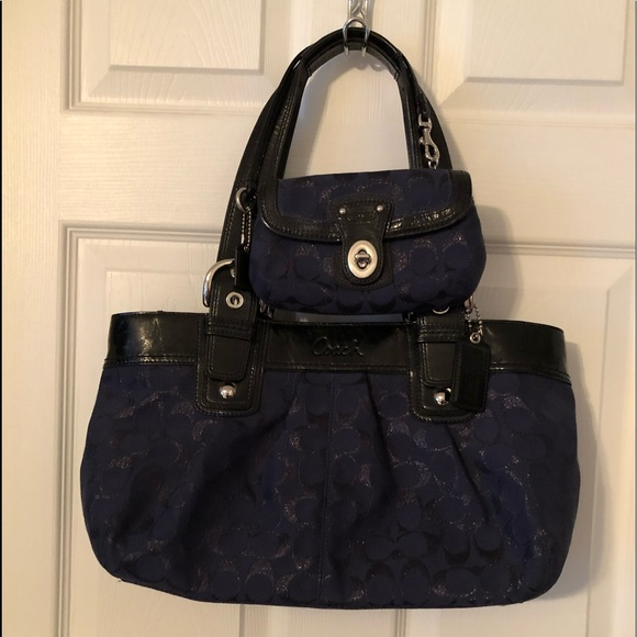 Coach Handbags - Coach handbag with wristlet